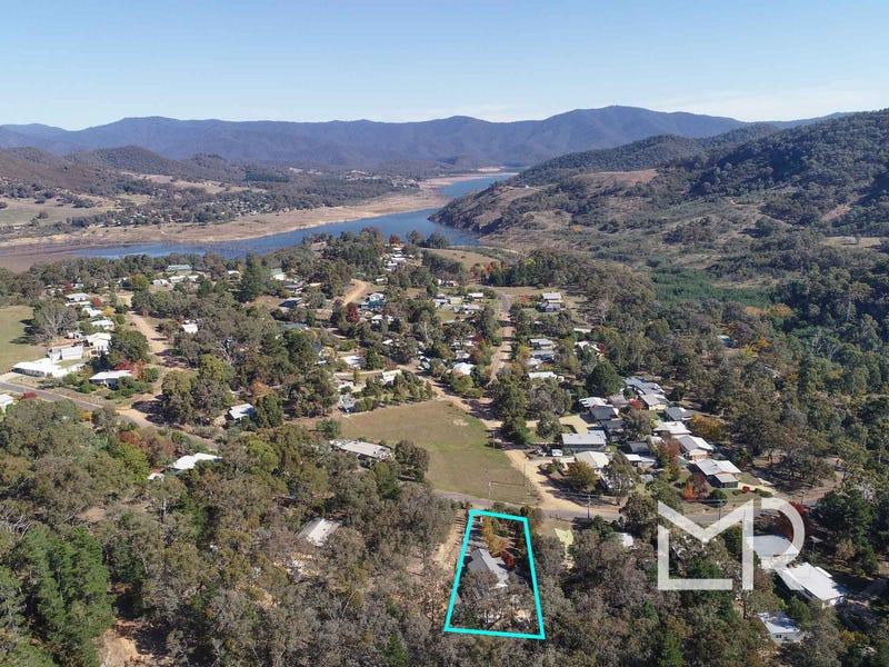 9 River Bend Rise, Macs Cove, Vic 3723