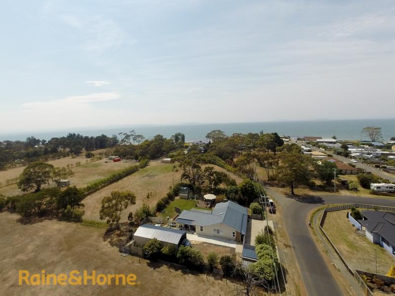 216 Roches Beach Road, Roches Beach, Tas 7170