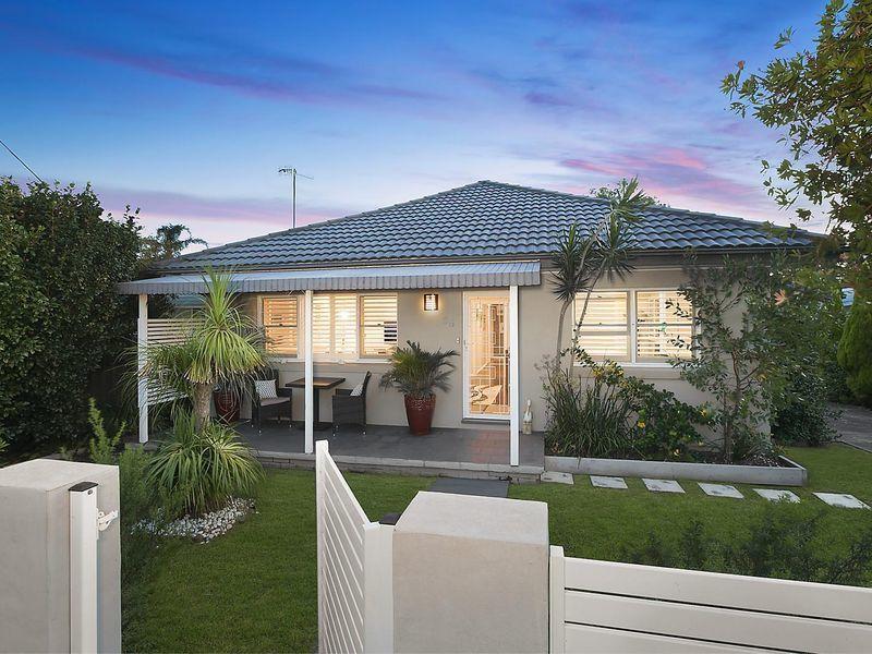 25 Seventh Avenue, Toukley, NSW 2263