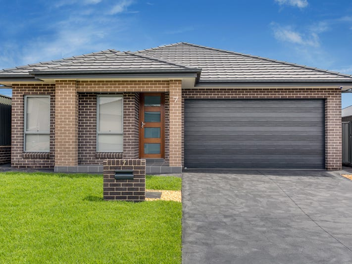 7 Rochester Street, Gregory Hills, NSW 2557