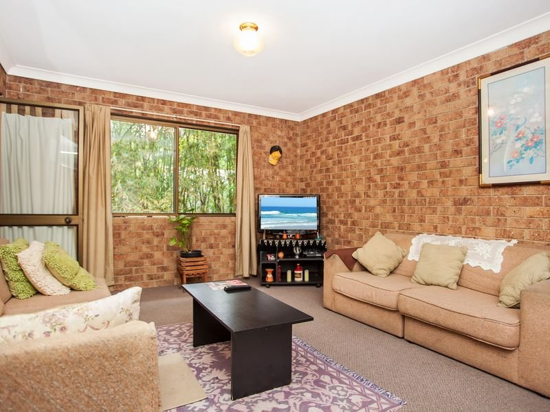 Unit 10/2 Rajah Road, Ocean Shores, NSW 2483