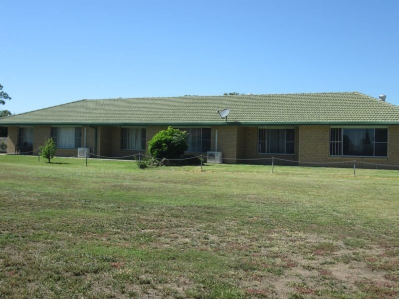 12 Cummins Drive, Moree, NSW 2400