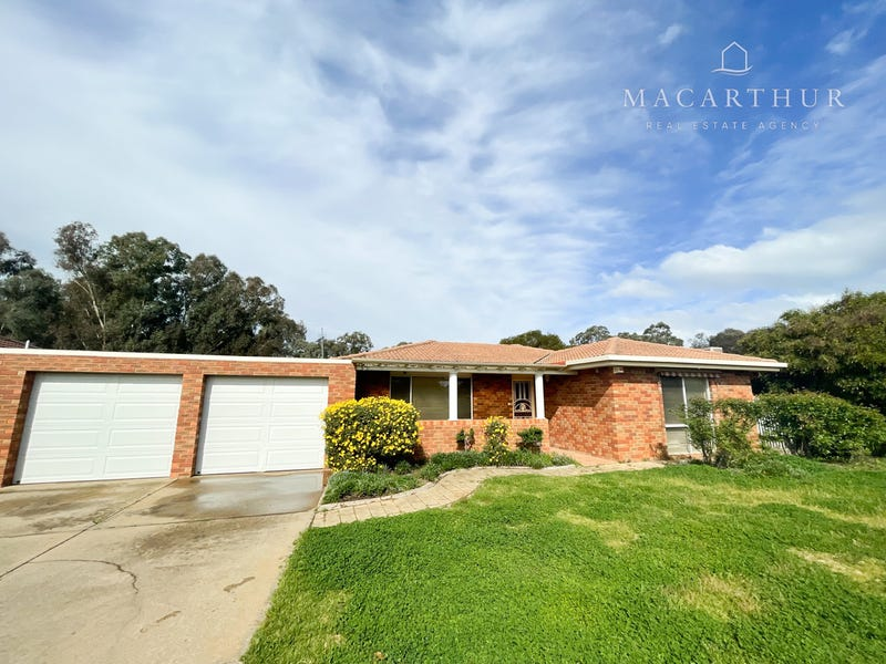 28 Karoom Drive, Glenfield Park, NSW 2650