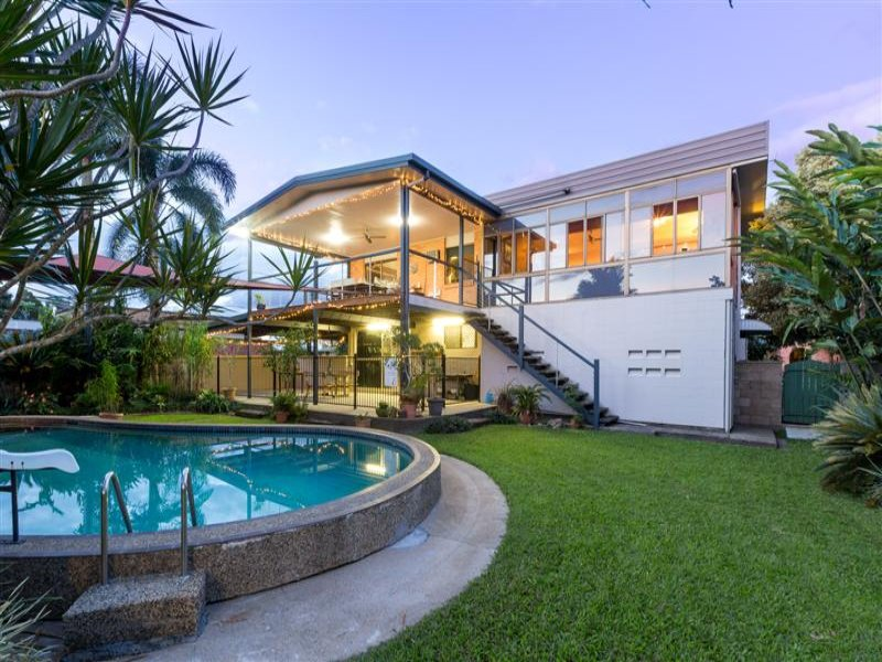 24 Riverside Crescent, Innisfail Estate