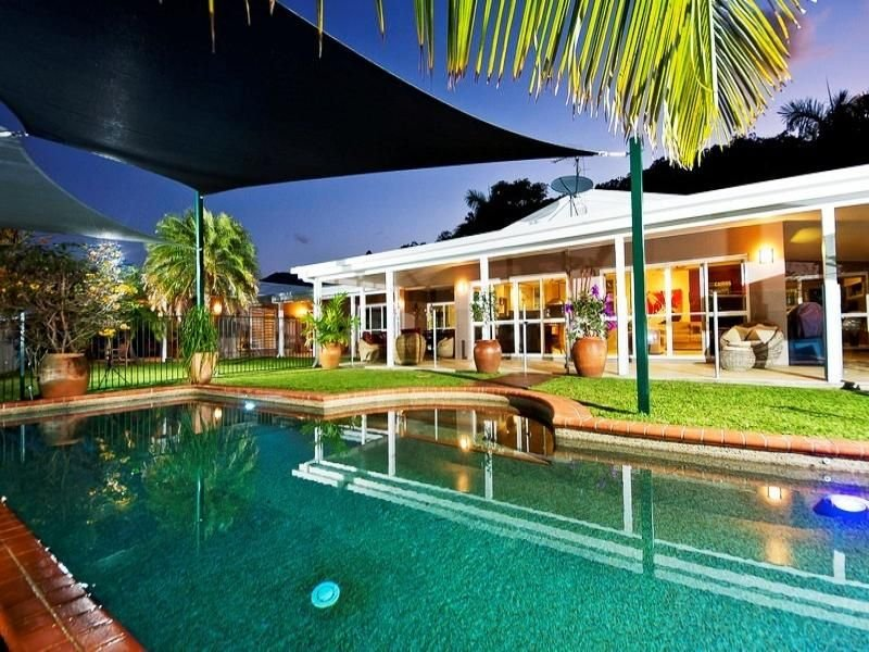 21-23 Stevens Street, Clifton Beach, Qld 4879