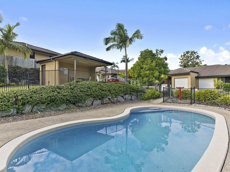 Unit 6/136 Pacific Pines Boulevard, Pacific Pines, Qld 4211
