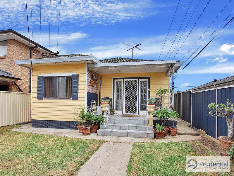 51 Cooper Ave, Moorebank, NSW 2170
