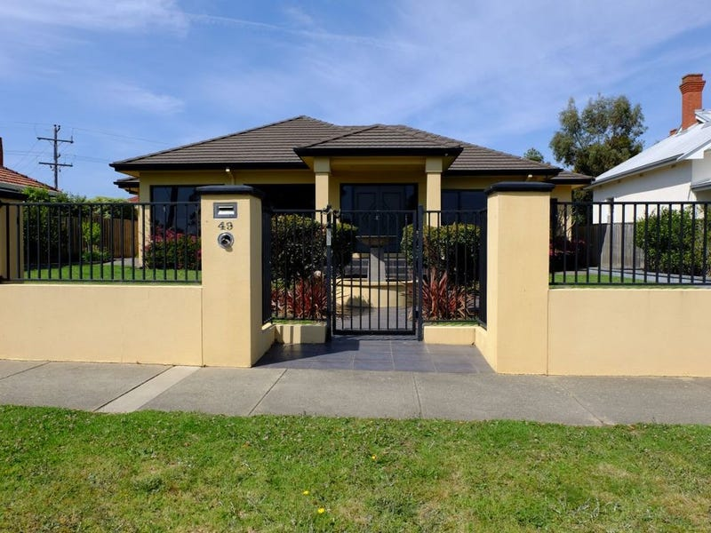 49 Riverine Street, Bairnsdale, Vic 3875