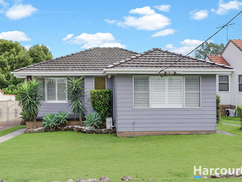 31 Fourth Street, Booragul, NSW 2284
