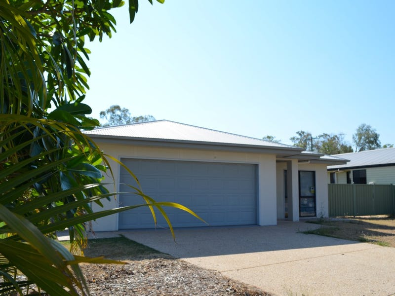 8 Paperbark Place, Emerald, Qld 4720