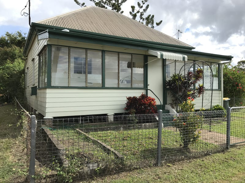 8 Ellena St, Maryborough, Qld 4650