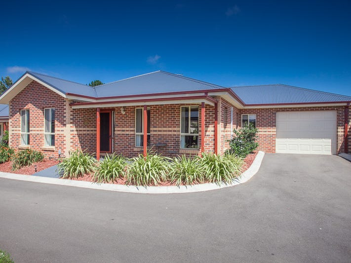 6/3 Regan Drive, Romsey, Vic 3434