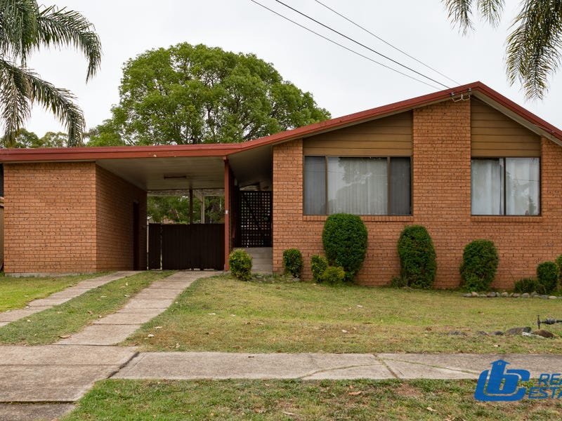 9 Artillery Crescent, Holsworthy, NSW 2173
