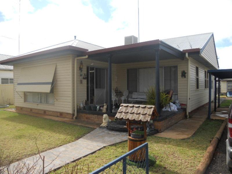 9 Cunningham St, Tullamore, NSW 2874