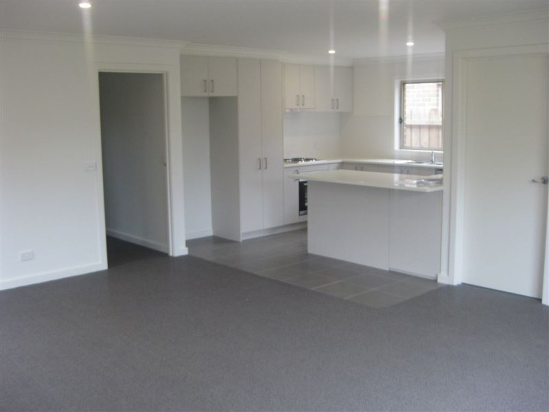 9 Loan Street,, Yea, Vic 3717