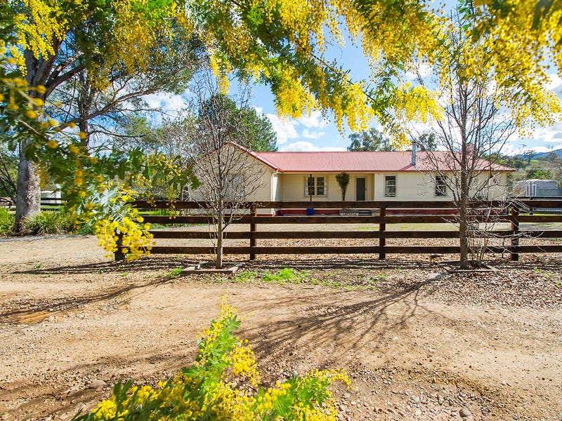 8 Camp Street, Gundy, NSW 2337
