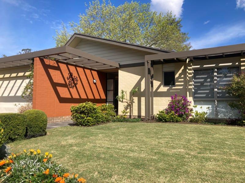 75 Leura Crescent, North Turramurra, NSW 2074