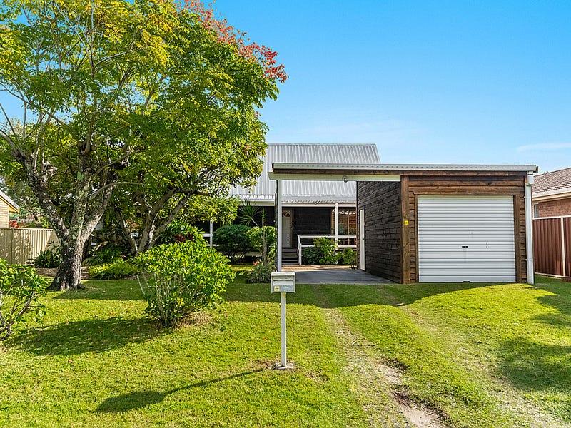 11 The Peninsula, Yamba, NSW 2464