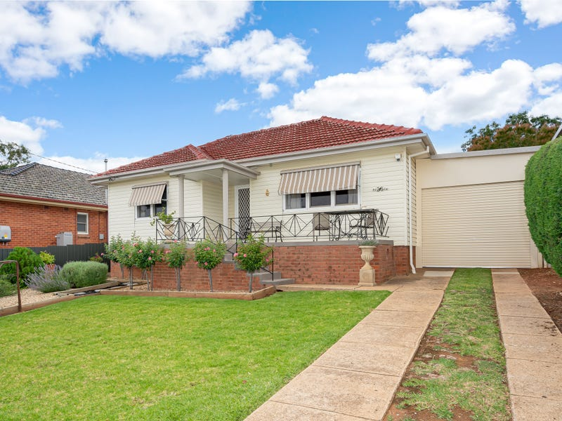25 Croaker Street, Turvey Park, NSW 2650