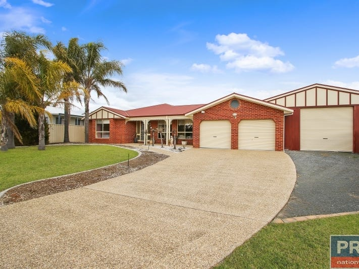 11 Donnolley Court, Lavington