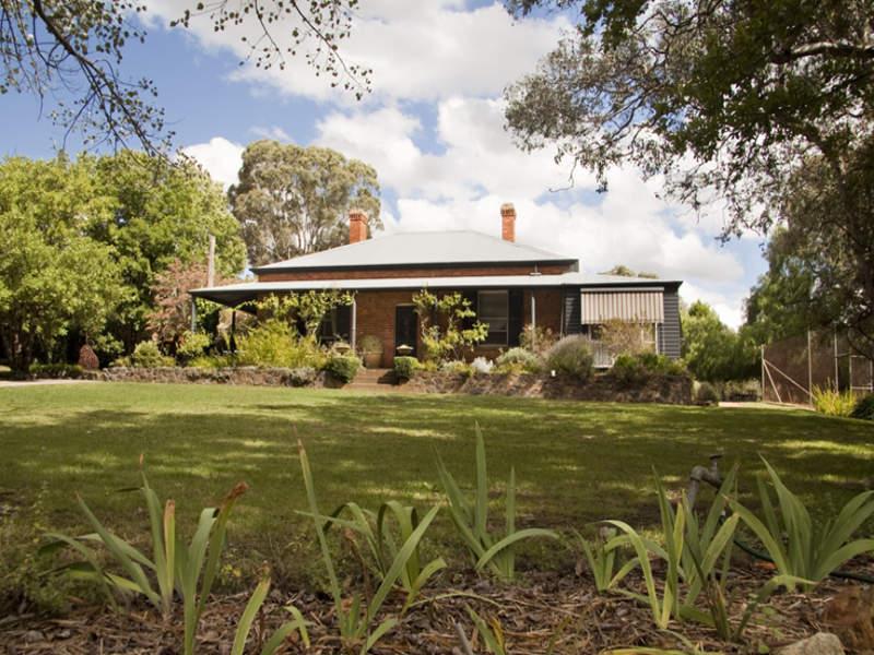 71 Cameron Road, Queanbeyan, NSW 2620