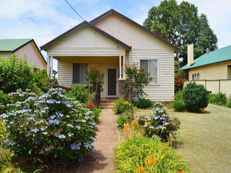 12 Tenterden Street, Guyra, NSW 2365