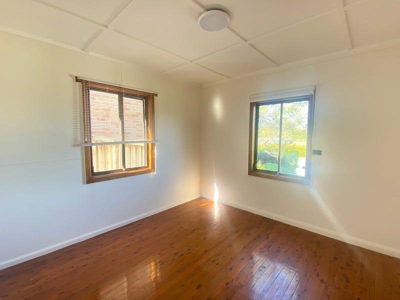 8A Blamey Street, Allambie Heights, NSW 2100