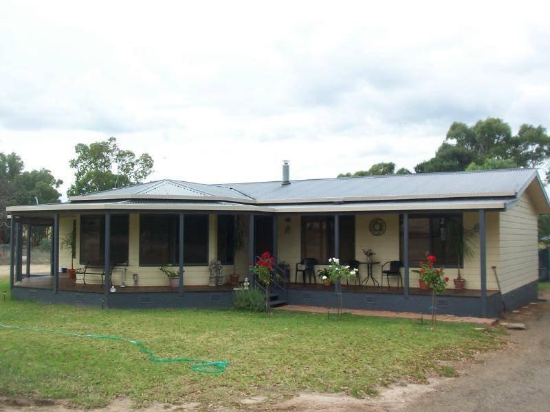 """""""BUNDALEER"""" DIRNASEER ROAD, Cootamundra, NSW 2590"""