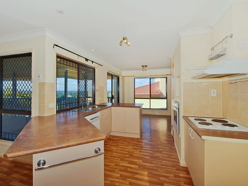 7 Lucy Drive, Edens Landing, Qld 4207