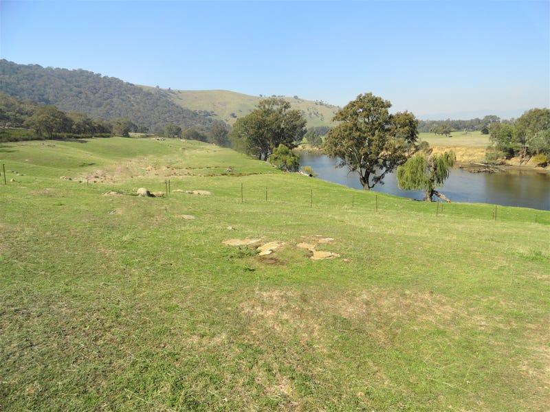 5455 River Road, Talmalmo, NSW 2640