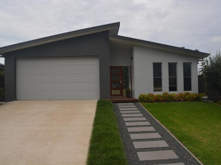 10 Gillan Grove, Broulee, NSW 2537