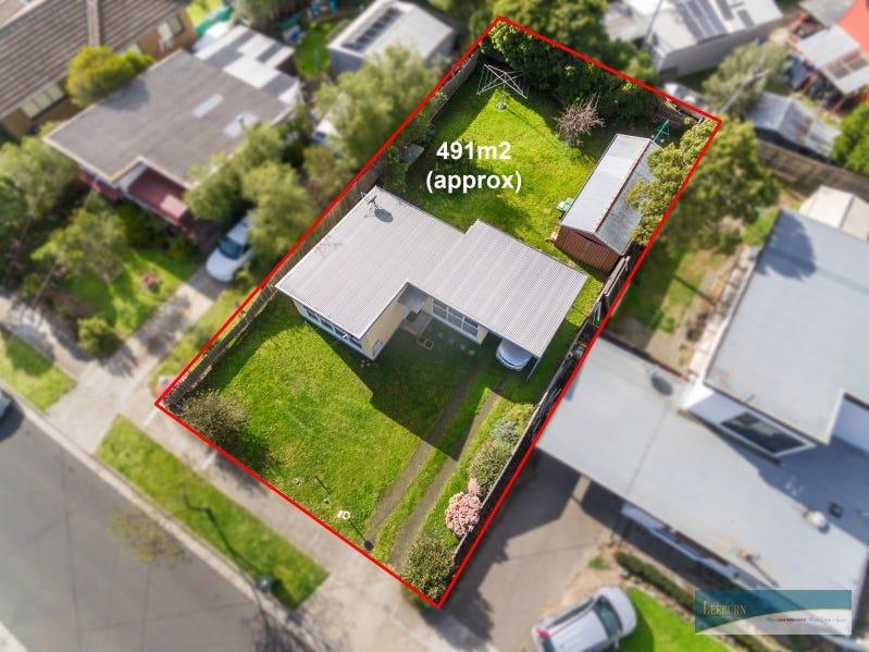 17 Lawson Street, Sunbury, Vic 3429
