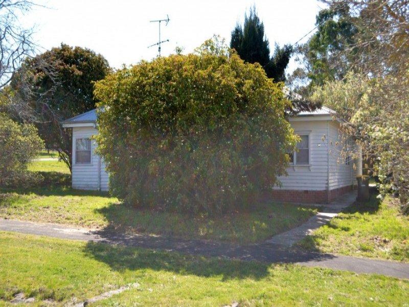 34 Clyde Street, Linton, Vic 3360