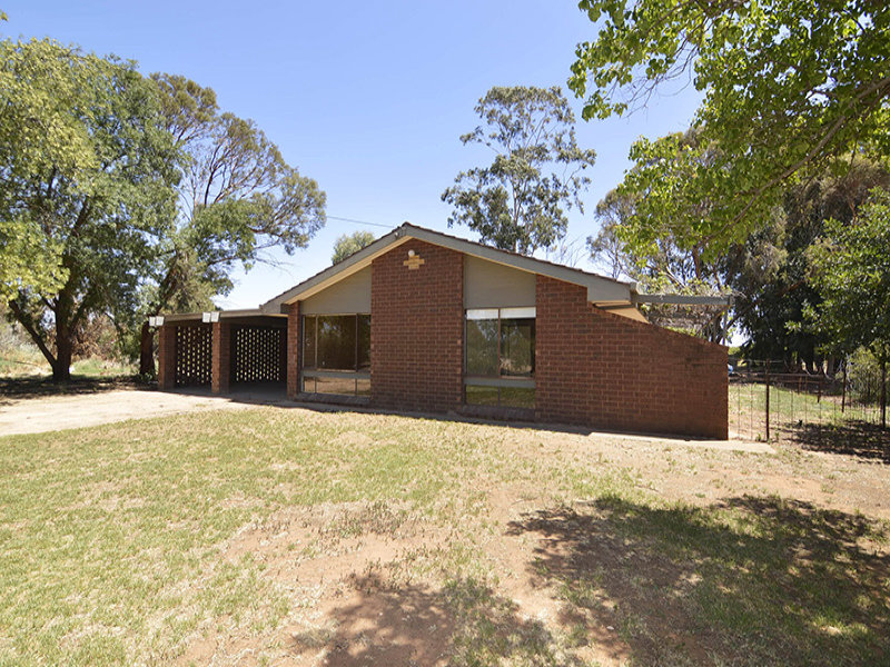 61 Channel Road, Curlwaa, NSW 2648