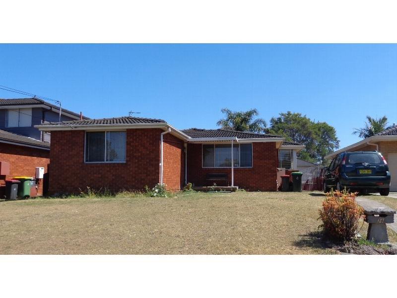 28 Flinders Rd, Georges Hall, NSW 2198