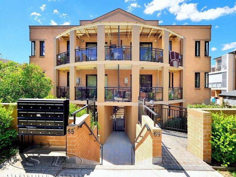 17 65 stapleton street pendle hill nsw 2145 property. Black Bedroom Furniture Sets. Home Design Ideas
