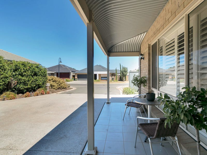 9 Coker Place, Blakeview