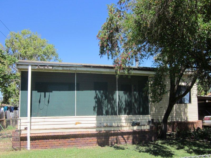 16 Boundary Street, Wee Waa, NSW 2388
