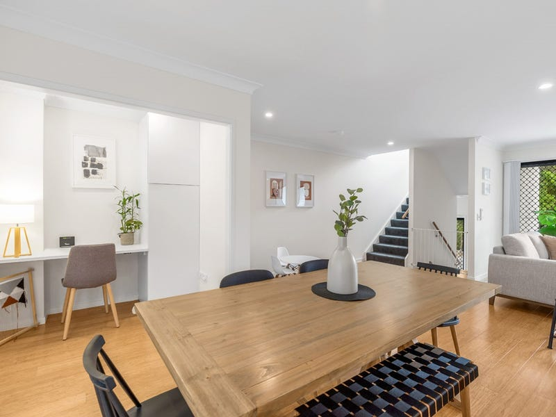 25/15 Oasis Close, Manly West, Qld 4179