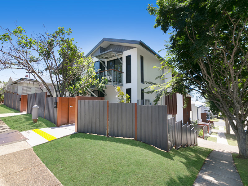 4/6 Sixth Ave, Sandgate, Qld 4017