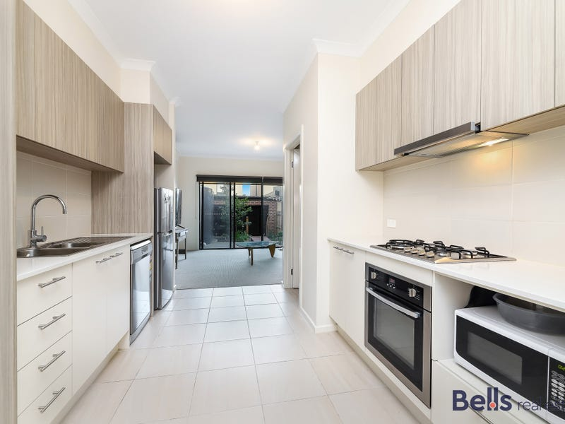 92 Queen Circuit, Sunshine, Vic 3020
