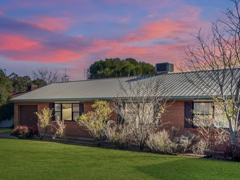 13 Milong Street, Young, NSW 2594
