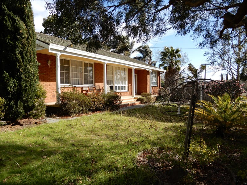 2 Slingsby, Beaconsfield, Vic 3807