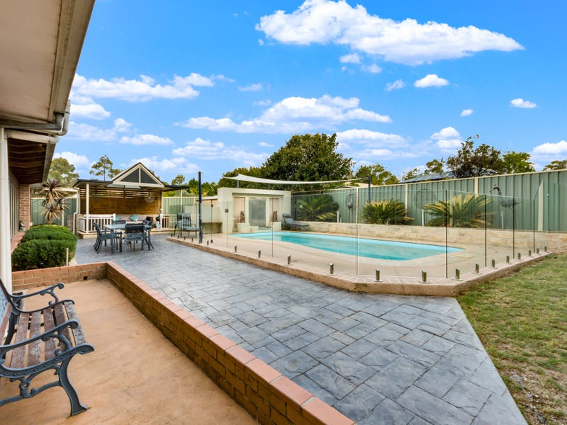 11 Nash Place, Currans Hill, NSW 2567