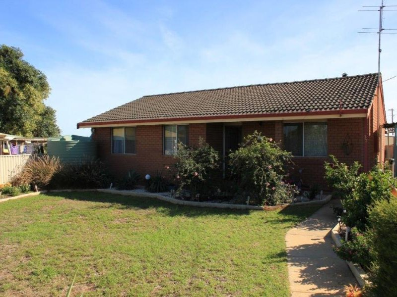 37 Johnston Street, Wongan Hills, WA 6603