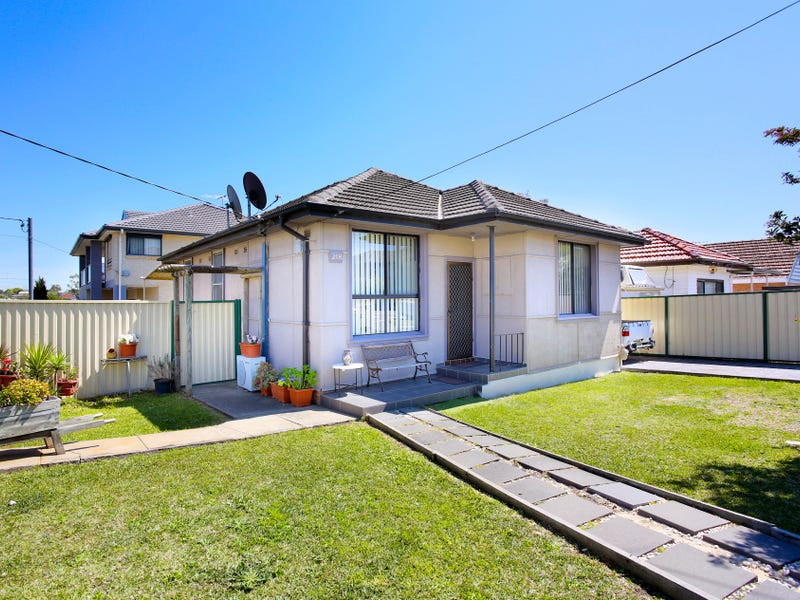 218 Blaxcell St, Granville, NSW 2142
