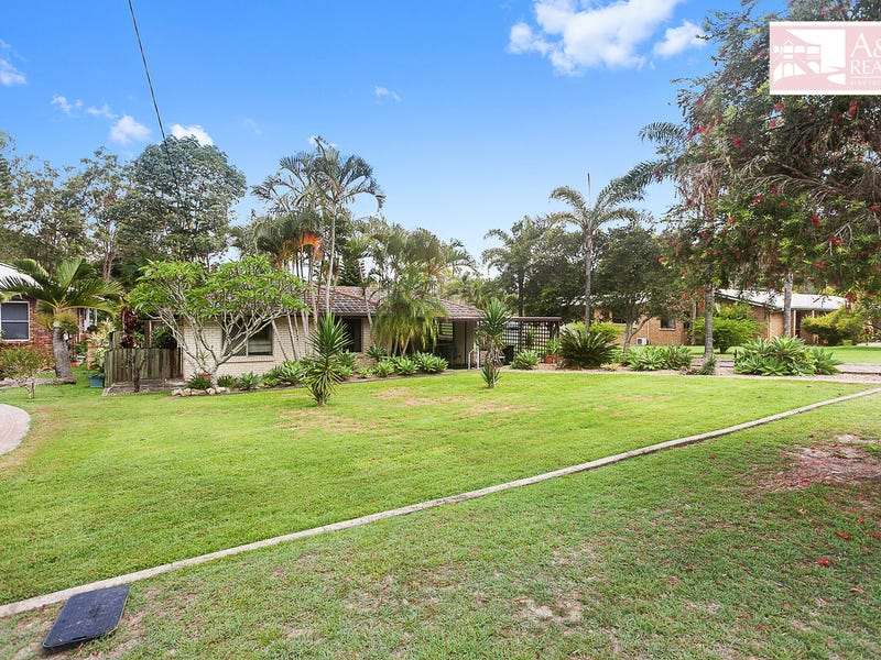 26 Woodville St, Maryborough West, Qld 4650