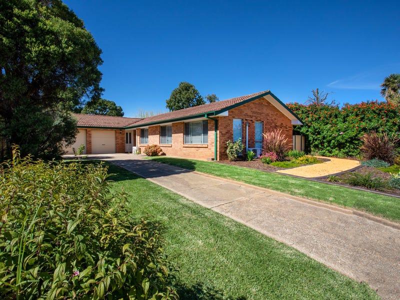 1 Nambucca Circuit, Cowra, NSW 2794