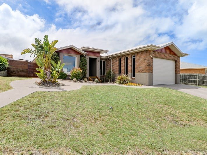 10 Westbury Way, Lakes Entrance, Vic 3909