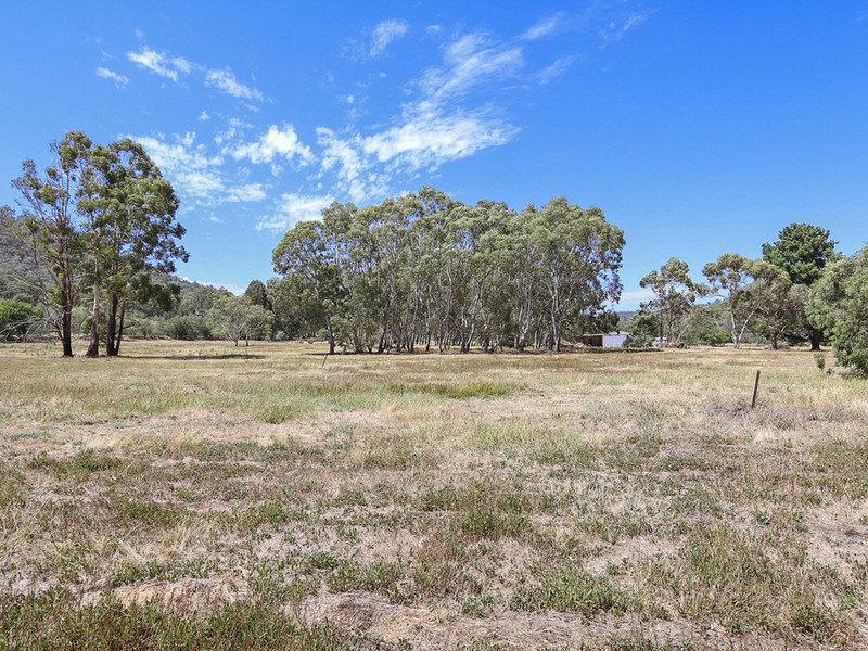 330 Middle Creek Road, Greta South, Wangaratta, Vic 3677